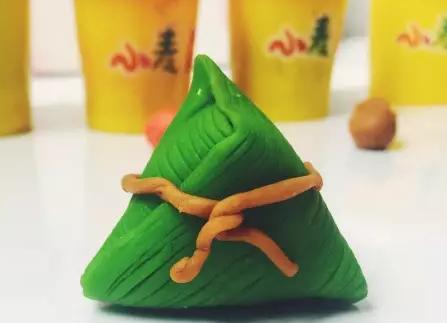 """简介: 端午节,小壹带大家用100fun小麦泥制作彩泥小""""粽子""""哦~ 分享"""
